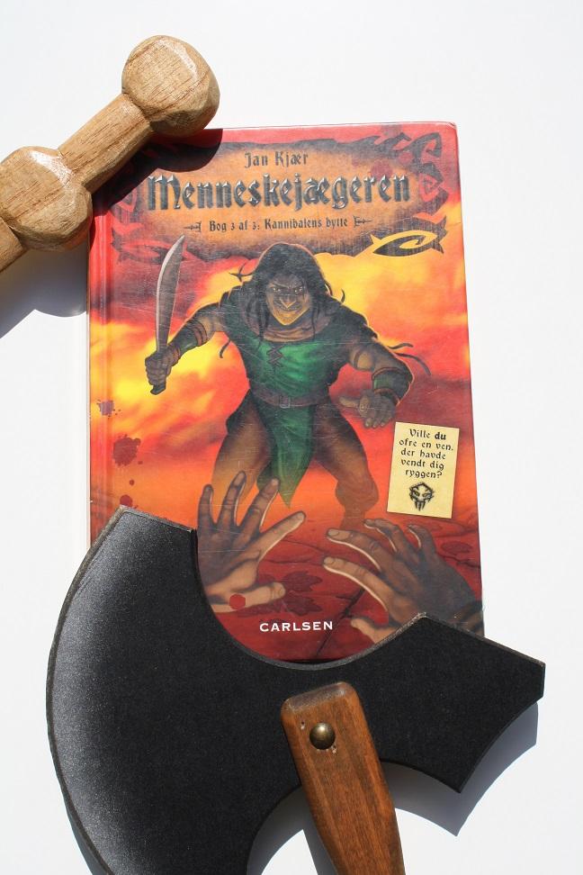"""Billede af Jan Kjærs bog """"Menneskejægeren - Bog 3 af 3: Kannibalens bytte"""""""