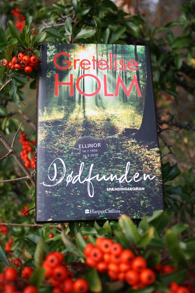 """Billede af Gretelise Holms bog """"Dødfunden""""."""